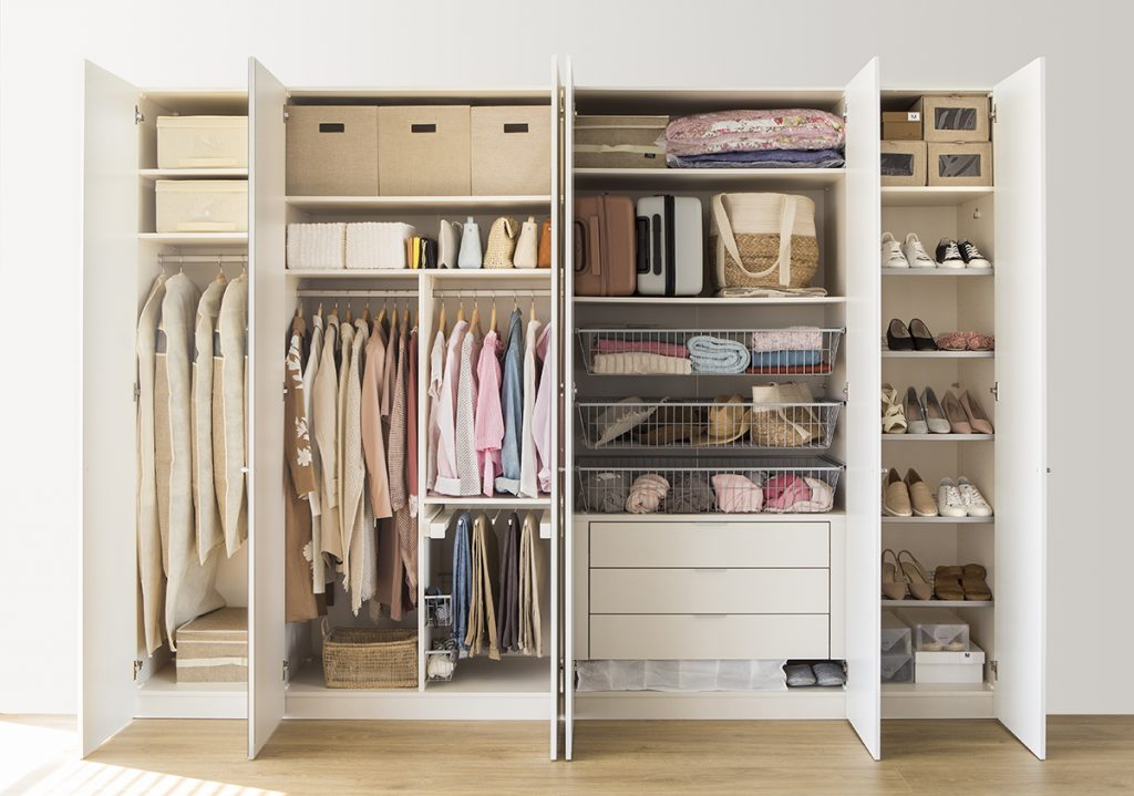 use a closet in the most effective manner: use vertical storage