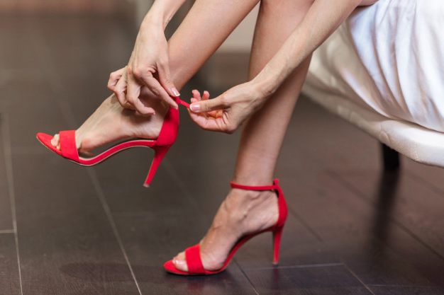 Using foot spray is a tip to wear your high heels