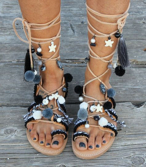 Bohemian sandals are a fashion accessorie to wear this summer