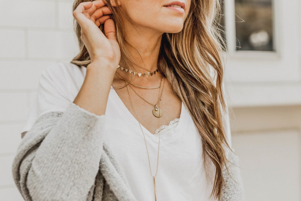 Layer necklaces are a fashion accessorie to wear this summer