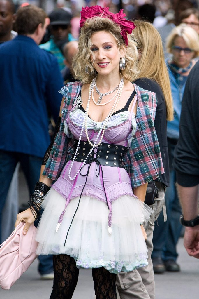 Carrie Bradshaw wearing a Madonna inspired look