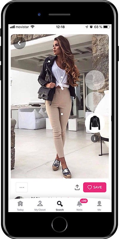Girl wearing a knot shirt from Chicisimo fashion planner app